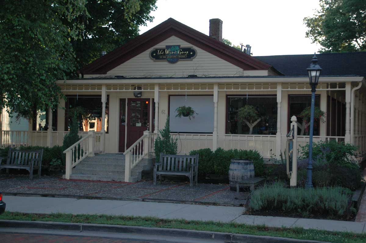 Zionsville Restaurants: Grapevine Cottage (opens in new window)