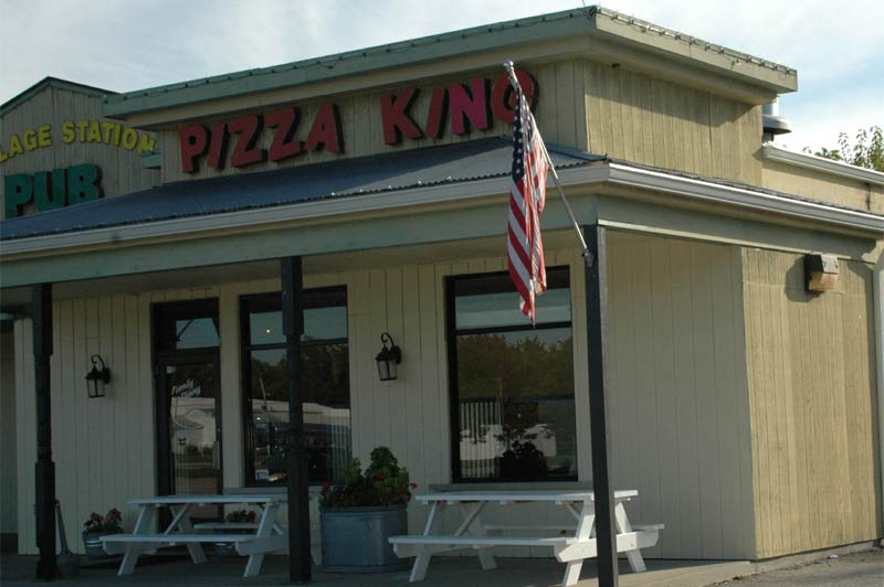 Zionsville Restaurants: Pizza King (opens in new window)