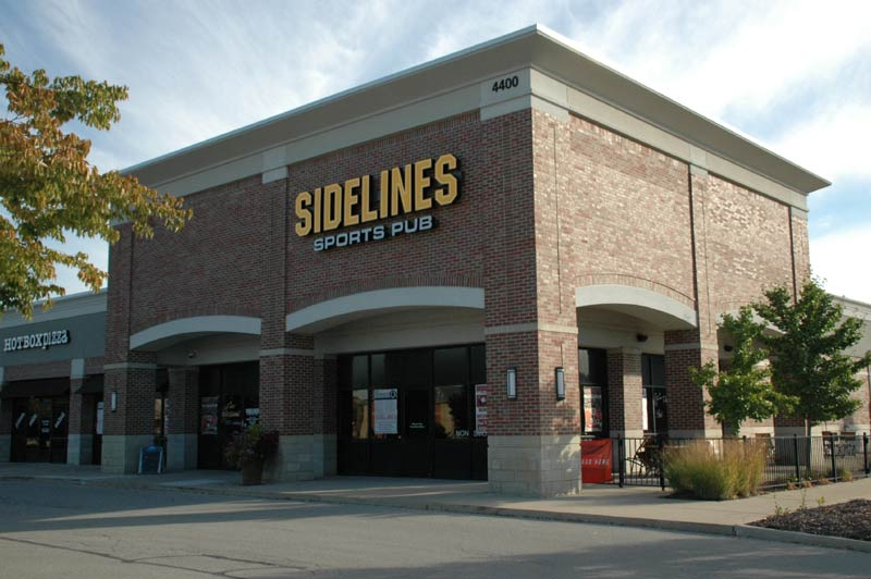 Zionsville Restaurants: Sidelines Sports Pub (opens in new window)