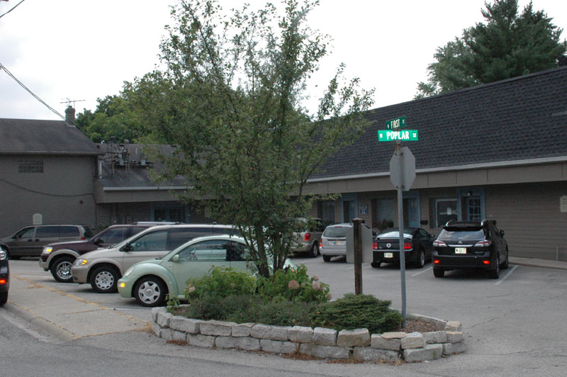 Zionsville Bakery: Convenient parking at A Taste of Amish