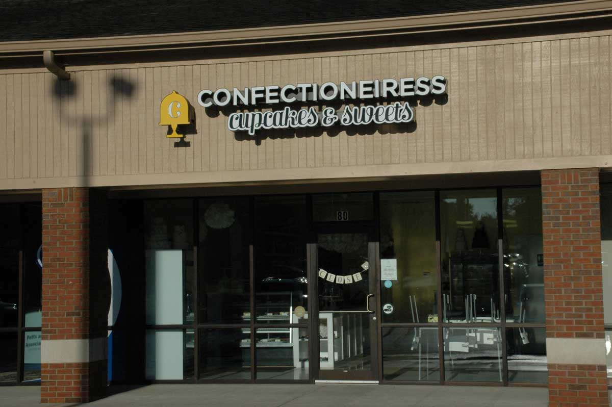 Zionsville Restaurants: Confectioneiress Cupcakes and Sweets (opens in new window)